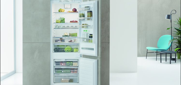 Whirlpool SPACE400 — компактный, но вместительный встраиваемый холодильник