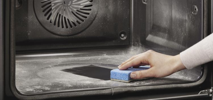 Пар и пепел: Candy начинает продажи духовок с двойной системой очистки